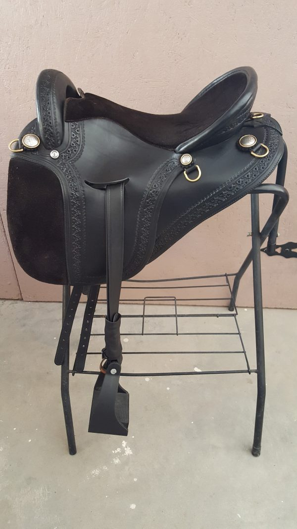 16 inch Black International Saddle
