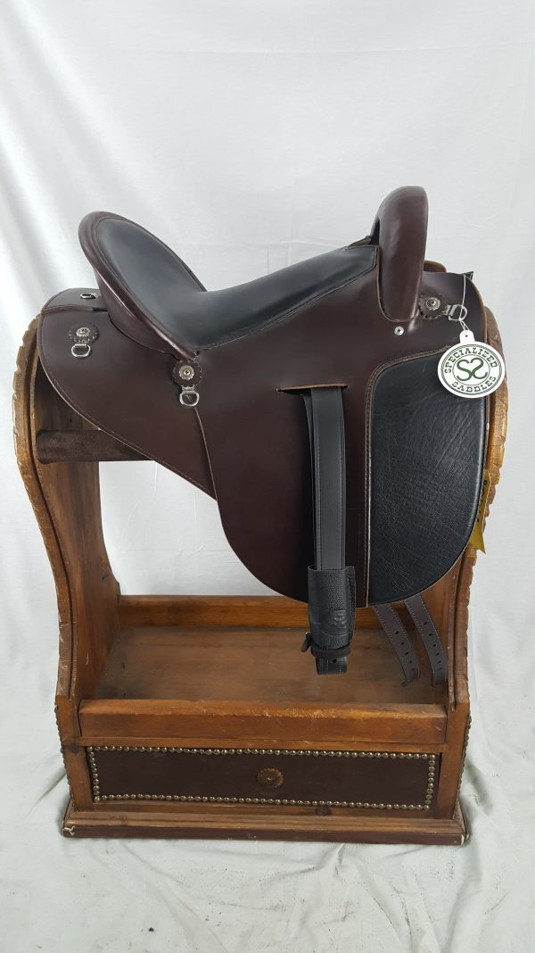 "15"" Mahogany International Saddle"