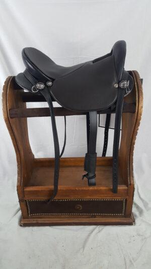 "16"" Black Ultralight Saddle"